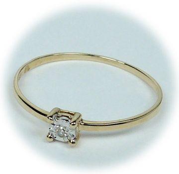 Zlatý prsten s diamantem A28889-52 | Hodinky-klenoty.cz