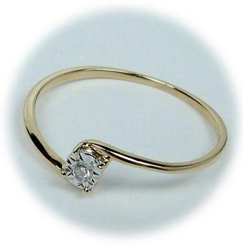 Zlatý prsten s diamantem A28895-50 | Hodinky-klenoty.cz